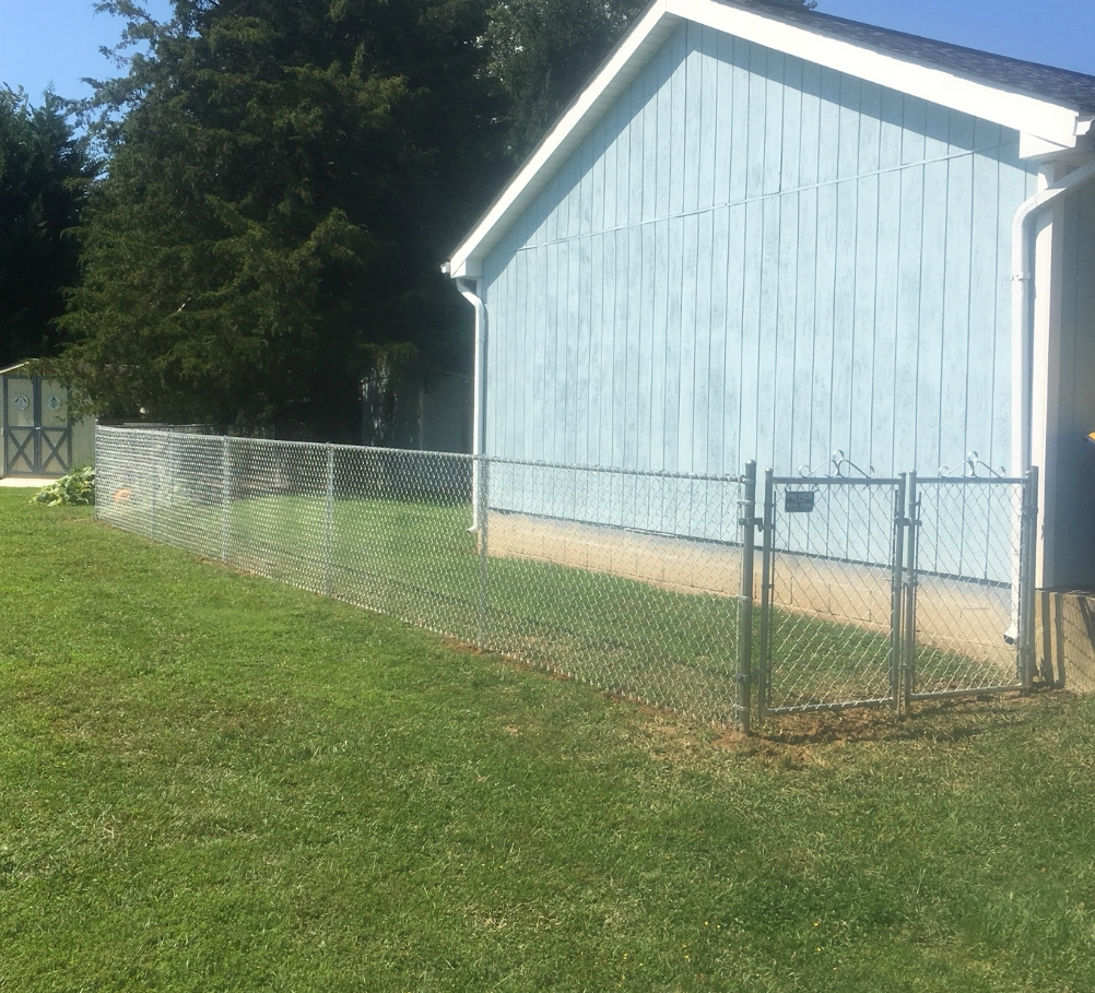 4' Galvanized Chain link installed in Lewes, De.